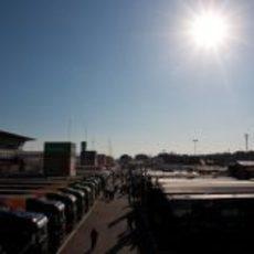 Camiones de los equipos de Fórmula 1 en Montmeló