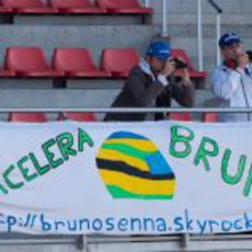 Cartel de apoyo a Bruno Senna