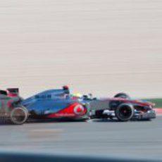 Vista lateral del McLaren de Lewis Hamilton
