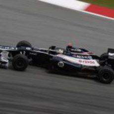 Pastor Maldonado rueda en Sepang
