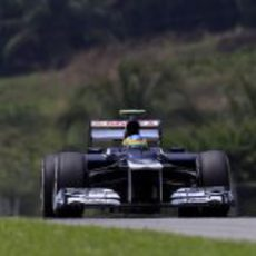 Bruno Senna rueda con el Williams en Sepang