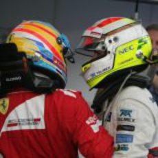 Alonso y Pérez juntos tras la carrera de Malasia 2012