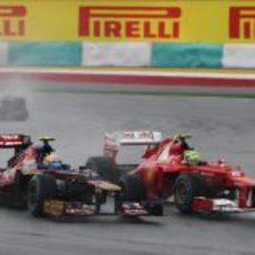 Vergne adelanta a Felipe Massa en pista