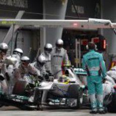 Nico Rosberg realiza una parada en Sepang