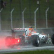 Parte trasera del VJM05 de Nico Hülkenberg en pista