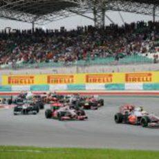 Primera curva del GP de Malasia 2012