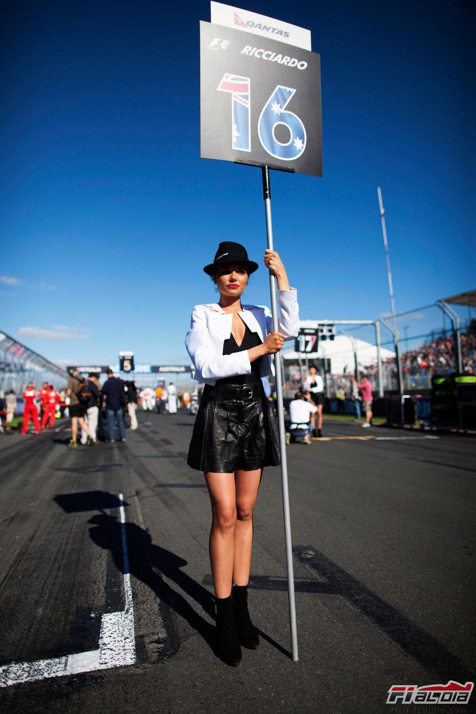 La 'pitbabe' de Daniel Ricciardo en el GP de Australia 2012