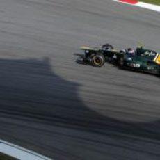 Vitaly Petrov en la sesión de clasificación del GP de Malasia 2012