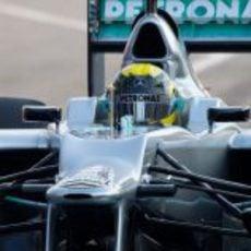 Primer plano de Nico Rosberg en el Mercedes W03