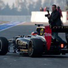 Kimi Räikkönen en el pit lane de Montmeló