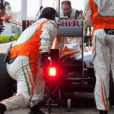 Parada en boxes del equipo Force India