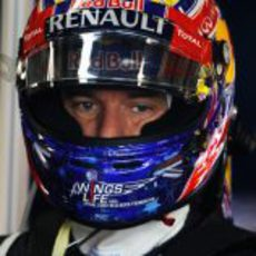 Webber se prepara para subirse al coche