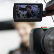 Romain Grosjean atiende a los medios en el GP de China