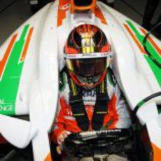 Jules Bianchi preparado para salir a la pista