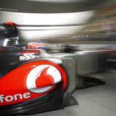 Jenson Button sale al asfalto del Circuito de Shanghái para afrontar la clasificación