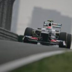 Sergio Pérez a bordo del Sauber C31 en el Circuito de Shanghái