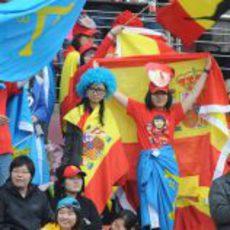 Aficionados de Fernando Alonso en el circuito de Shanghái