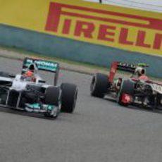 Michael Schumacher y Romain Grosjean en los libres de China 2012
