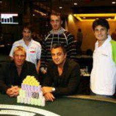 Fisichella, Glock y Kubica jugando al poker
