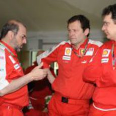 Tres miembros del equipo Ferrari