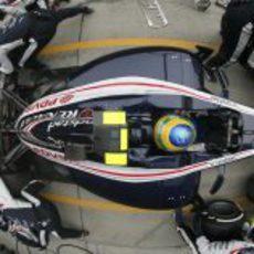 Panorámica del 'pitstop' de Bruno Senna en Shanghái