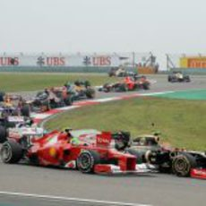 Felipe Massa tras la primera curva de la carrera