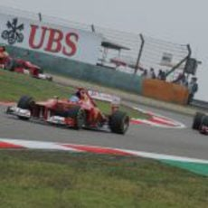 Los dos Ferrari sobre el trazado de Shanghái