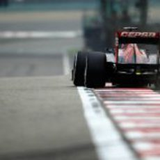 Vista trasera del STR7 de Daniel Ricciardo en el GP de China