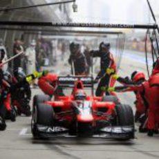 Timo Glock termina su parada tras cambiar neumáticos