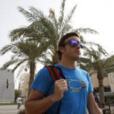 Fernando Alonso llega a Baréin