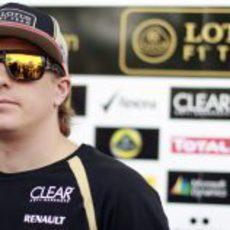 Kimi Räikkönen con sus gafas de sol en el GP de Baréin 2012