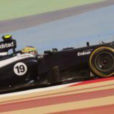 Bruno Senna rueda en Sakhir con el FW34