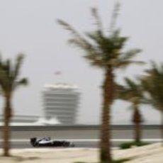 Bruno Senna rueda en los terceros libres de Baréin