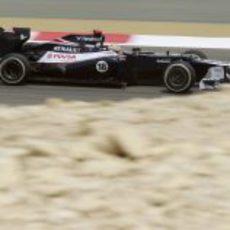 Pastor Maldonado rueda con el FW34 en Baréin