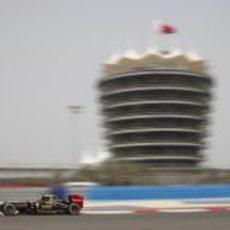 Romain Grosjean exprime su E20 en Sakhir