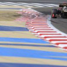 Kimi Räikkönen exprime su E20 en la clasificación de Baréin