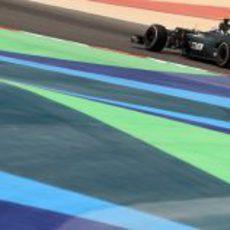 Vitaly Petrov en durante una vuelta de clasificación en Baréin
