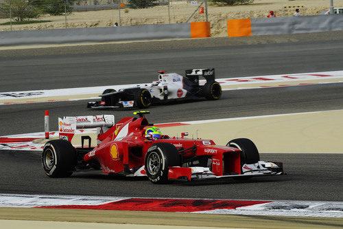 Felipe Massa sale de una curva en Baréin
