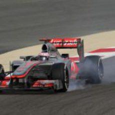Jenson Button se pasa de frenada en Baréin