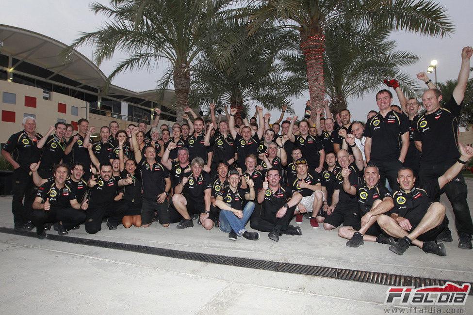 Lotus celebra su doble podio en Baréin