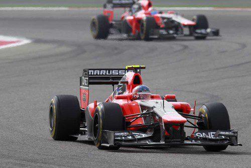 Charles Pic empuja su MR01 durante el GP de Baréin