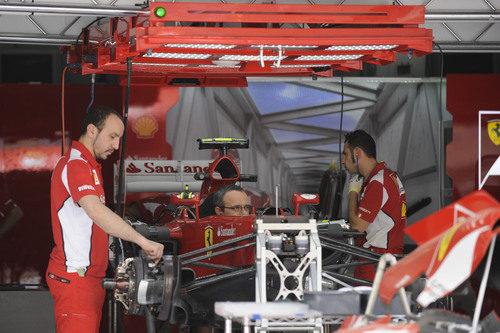 Trabajo en el box de Ferrari en Baréin