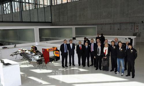 Foto de familia de Jean Todt en la sede de HRT
