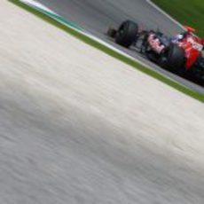 Daniel Ricciardo rueda en Mugello