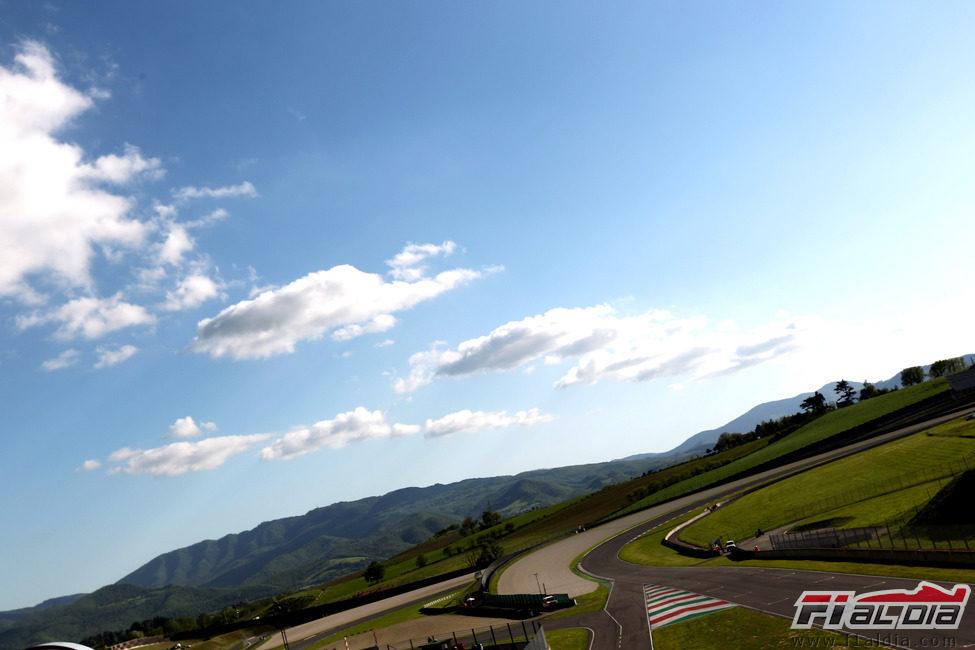 El sol brilla para Daniel Ricciardo y su Toro Rosso