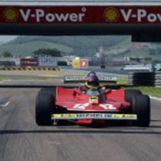 Jacques Villeneuve en el Ferrari de Gilles