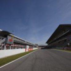 Gradas y boxes del Circuit de Catalunya