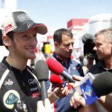 Romain Grosjean atiende a la prensa internacional en Barcelona