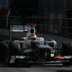 Kamui Kobayashi abandona el 'pit lane' en Montmeló