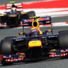 Mark Webber sale de la chicane en Montmeló